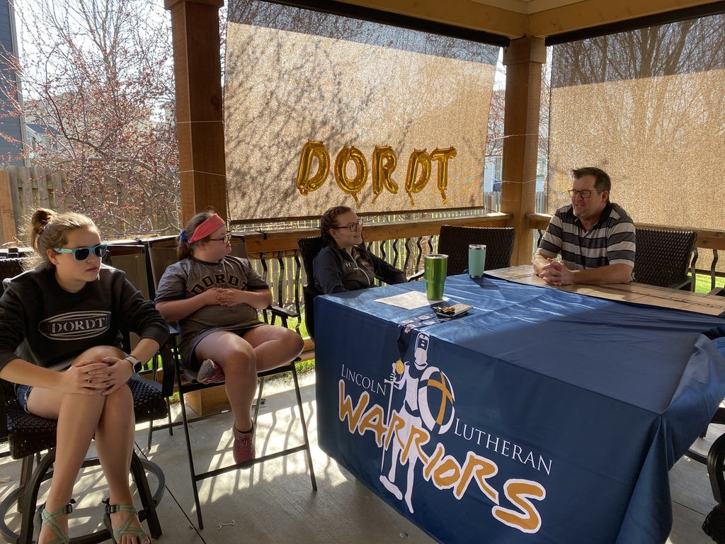 Natalie Barrett signs with Dordt